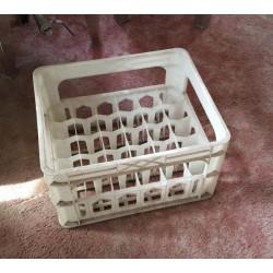 Plastmasas kaste priekš 30 alus pudelēm (lietota)