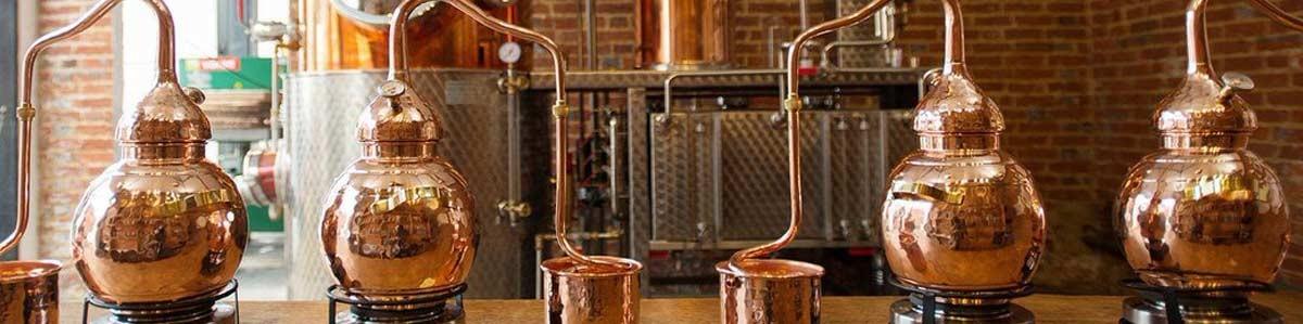 Stiprie dzērieni, Liķieri, Destilācija