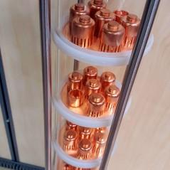 """Stikla kolonna 4"""" ar 7 līmeņiem katrā pa 7 zvaniņiem no vara"""