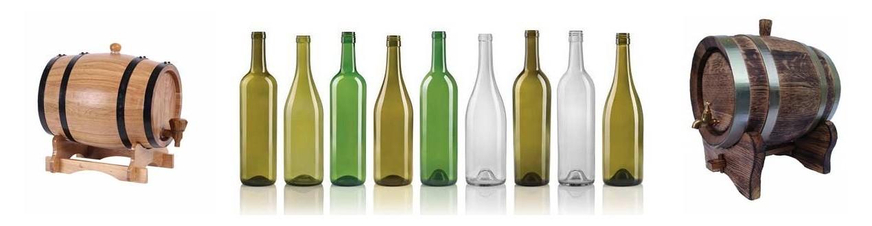 Vīna pudeles un mucas
